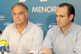 La dirección estatal del PP apoya a Bauzá y afines a Font ven la mano de Delgado