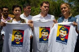 Albert Rivera intenta sin éxito visitar a Leopoldo López en cárcel venezolana