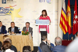 Armengol destaca que no renunciará a cogestionar aeropuertos ni a la tarifa plana