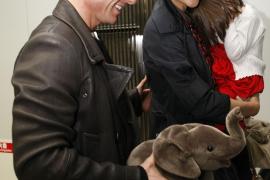 Tom Cruise piensa que Katie  Holmes «le debe» otro hijo