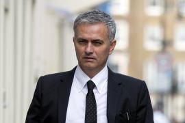 El Manchester United hace oficial el fichaje de Mourinho