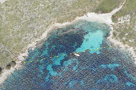 Los navegantes, en pie de guerra contra el balizado de calas vírgenes en Pollença
