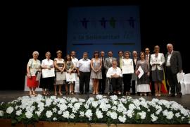 Emotiva y multitudinaria entrega en el Teatre Principal de los Premis Solidaritat 2010