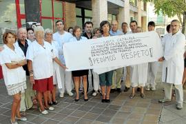 El personal sanitario de Mallorca protesta tras la agresión a un médico