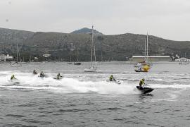 El Club Náutico se vuelca con la feria de los deportes de vela y motor