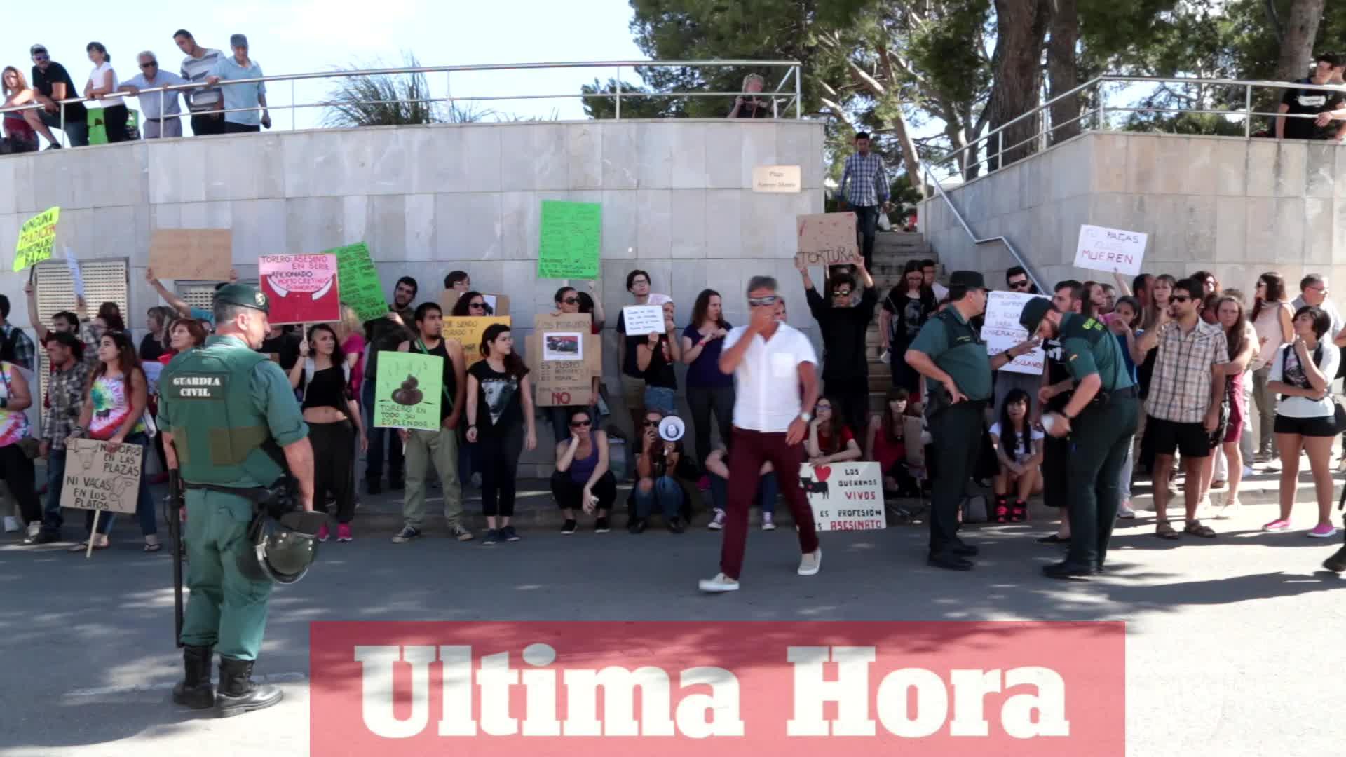 Protesta en contra del festejo