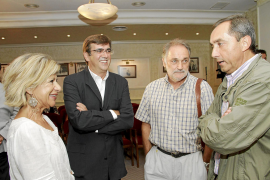 Un homenaje a Miguel Delibes marca el inicio de las Converses de Formentor
