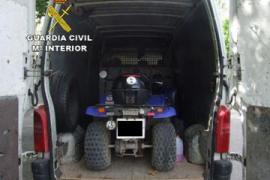 Detenidos tres hombres mientras robaban un quad en Santa Ponça