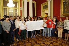 Palma local pleno parlament fosas fotos teresa ayuga
