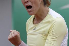 Muguruza arrolla a Stosur y jugará la final contra Serena
