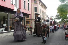 Desfile de gigantes a la altura de la capital