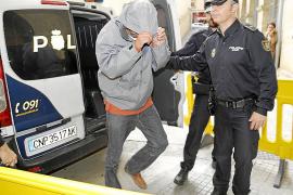 La Audiencia mantiene presos a los agentes clave de la corrupción policial