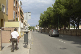 Dos falsos revisores de gas apuñalan a una mujer en su piso del Camí Salard