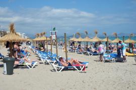 El GOB presenta un recurso contra la autorización de los servicios en las playas de Santa Margalida