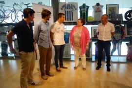 El Govern entrega la insignia Olímpicos IB al piragüista Sete Benavides