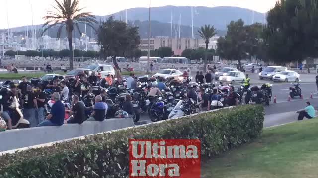Un millar de motos homenajean a Salom