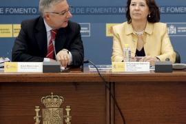 """Blanco quiere evitar el """"despilfarro"""" en las subvenciones al transporte aéreo"""