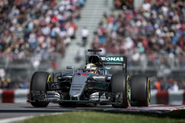 Hamilton marca la pole en Canadá, con Alonso décimo y Sainz accidentado