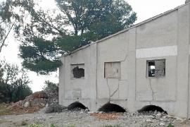 Vierten escombros en una mina de Lloseta «con la connivencia» del Ajuntament