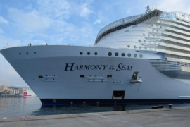 El «Harmony of the Seas» ya está en Palma