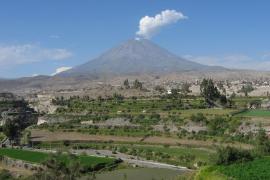 Muere un parapentista español tras chocar con un volcán en Perú
