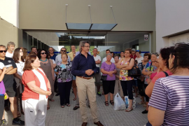 Un centenar de personas se manifiestan en Andratx a favor del doctor Joan Peiró