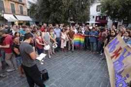 Concentración en Cort contra el atentado al club gay de Orlando