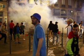 Se recrudecen los enfrentamientos en la Eurocopa con decenas de detenidos y de heridos