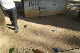 Denuncia a unos jóvenes por ensuciar un espacio público en sa Pobla