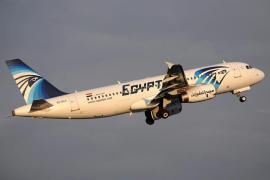 Localizan la caja negra de la cabina del avión de Egyptair siniestrado en mayo
