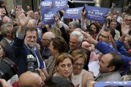 Rajoy en Pontevedra: «Ya he recuperado las gafas después de la última vez»