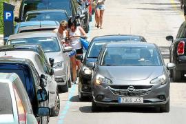 El Govern no tiene resuelto la falta de párking de es Trenc en plena temporada turística