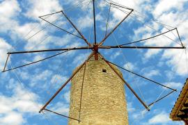 El Consell permitirá a las empresas 'apadrinar' los molinos de viento
