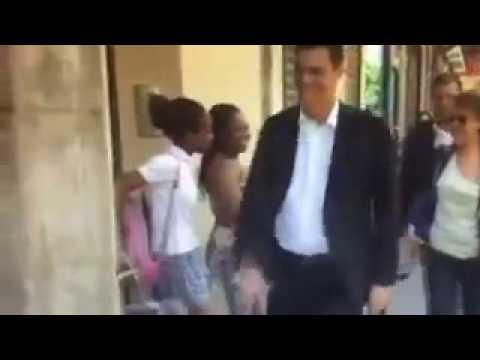 Sánchez dice que PP y Podemos han difundido un vídeo para acusarlo de «racista»