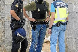 La Policía Nacional continúa la operación antidroga con registros en La Soledat, Maria de la Salut y Llubí