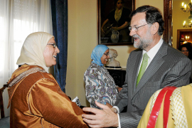 Rajoy visita Melilla e intenta suavizar la polémica con Marruecos