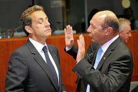 Sarkozy gana en Bruselas el pulso a los detractores de las expulsiones de gitanos
