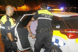 Detenido tras atacar a dos policías con una barra de hierro en Palma