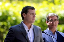 Rivera cree que el 'sorpasso' de Podemos no servirá de nada si Iglesias no negocia