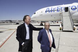 Air Europa estrena el Boeing 787 Dreamliner 'Julio Iglesias'
