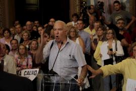 Los vecinos de la Platja de Palma se rebelan en Cort contra la alcaldesa