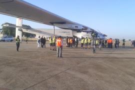 El avión Solar Impulse II aterriza en Sevilla tras cruzar el Atlántico Norte