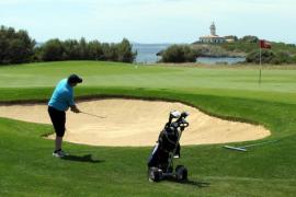 El Govern sube un 45 % la tarifa de agua desalada para los campos de golf