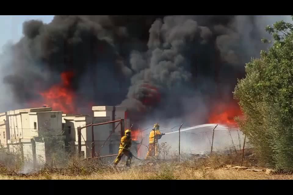 Incendio a causa de una quema de rastrojos frente a Son Moix