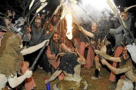 Suspenden el 'correfoc' de Mancor por una disputa entre los 'dimonis' de Arrels y el párroco