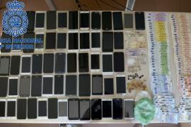 Detenido un grupo organizado que robó 57 móviles en las fiestas de Sant Joan