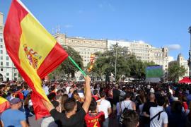 Barcelona multará a los organizadores que pusieron una pantalla para ver a la Roja
