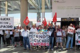 Protesta en Son Sant Joan contra la precariedad laboral