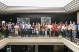 Calvià entrega a 29 estudiantes las becas de formación en empresas