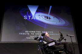 Hawking no cree que la humanidad pueda sobrevivir 1.000 años más sin abandonar la Tierra